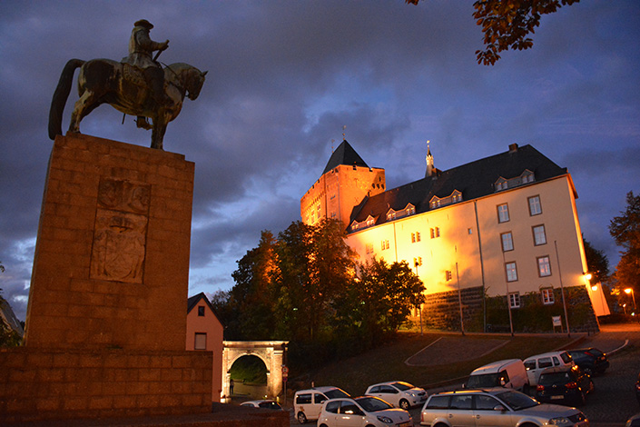 ReitbahnDenkmalBurg